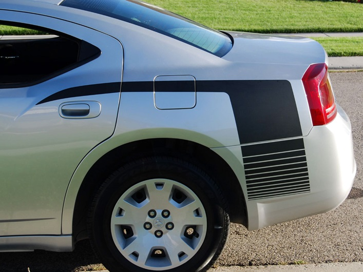 Dodge-Charger-Fading-Hockey-Stripes