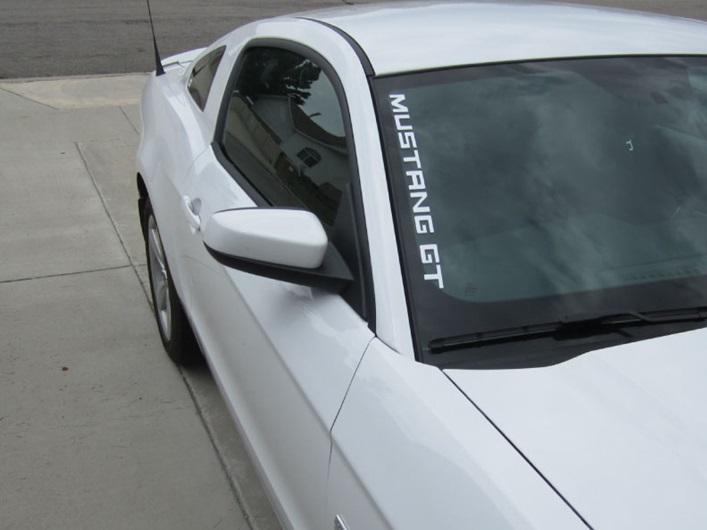 MUSTANG-GT-SIDE-WINDOW